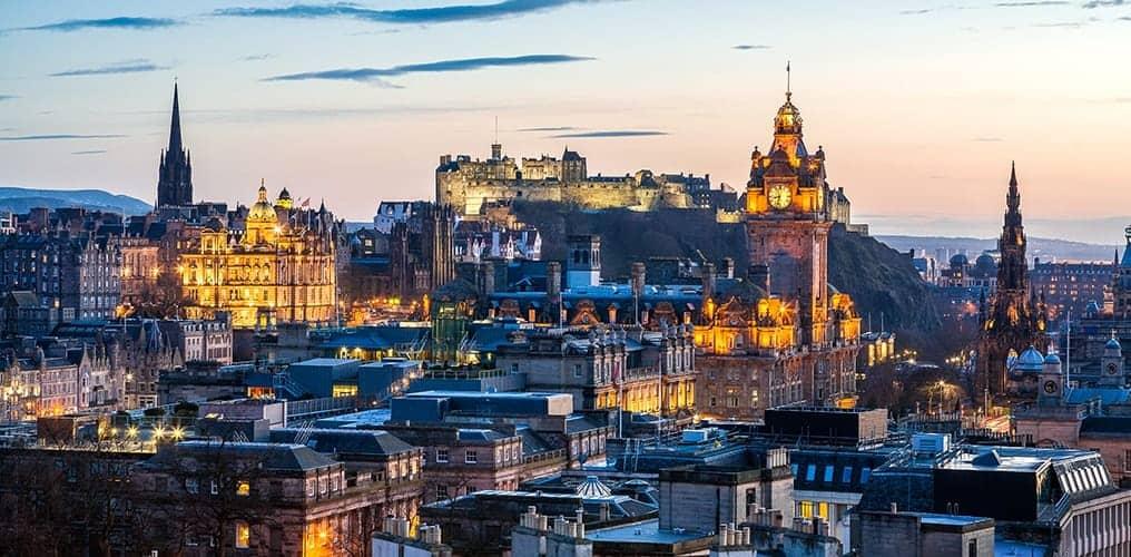 edinburgh-scotland-skyline